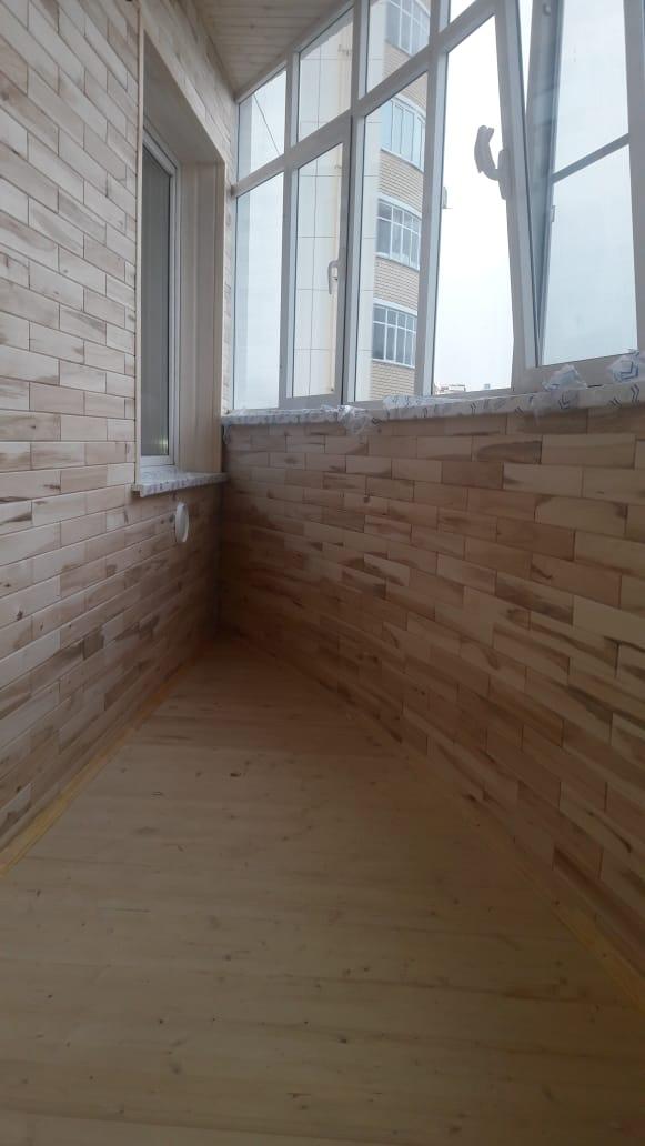 Древ 13 - пример работ по отделки пола и стен на балконе 06