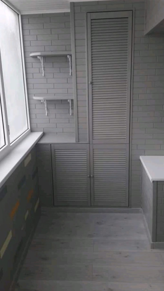 Древ 13 - пример работ по отделки пола и стен на балконе 07