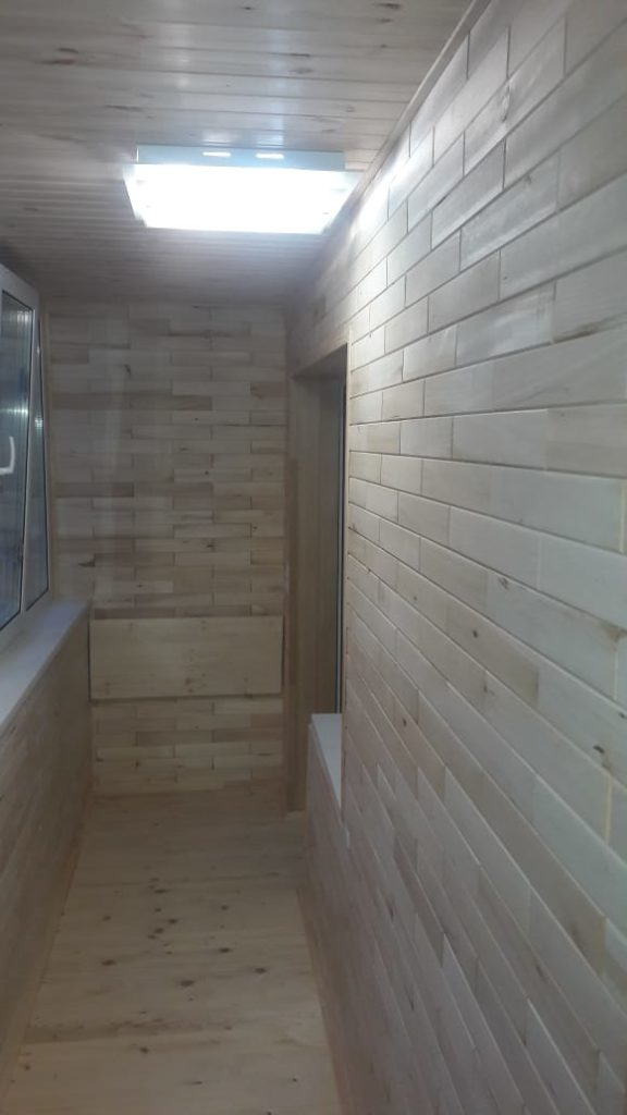 Древ 13 - пример работ по отделки потолка, пола, стен на балконе - 16