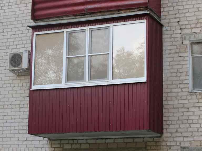 Наружная отделка балкона профнастилом
