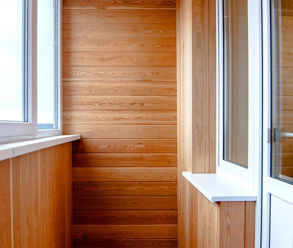 Эконом отделка балкона